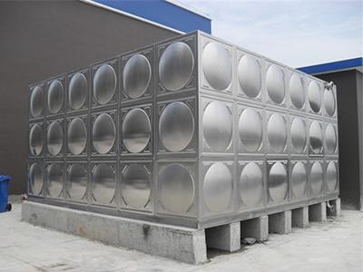 秦皇岛不锈钢圆柱形水箱专业供应保温水罐
