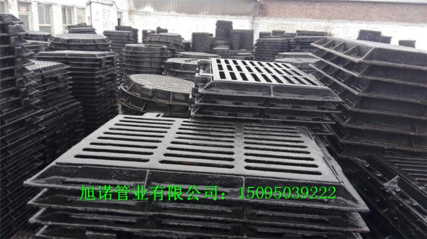 常熟DN700球墨铸铁井盖方形重型井盖