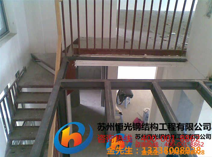 5,施工速度快,钢结构采用轻型房屋钢结构体系,不需要现场绑扎钢筋
