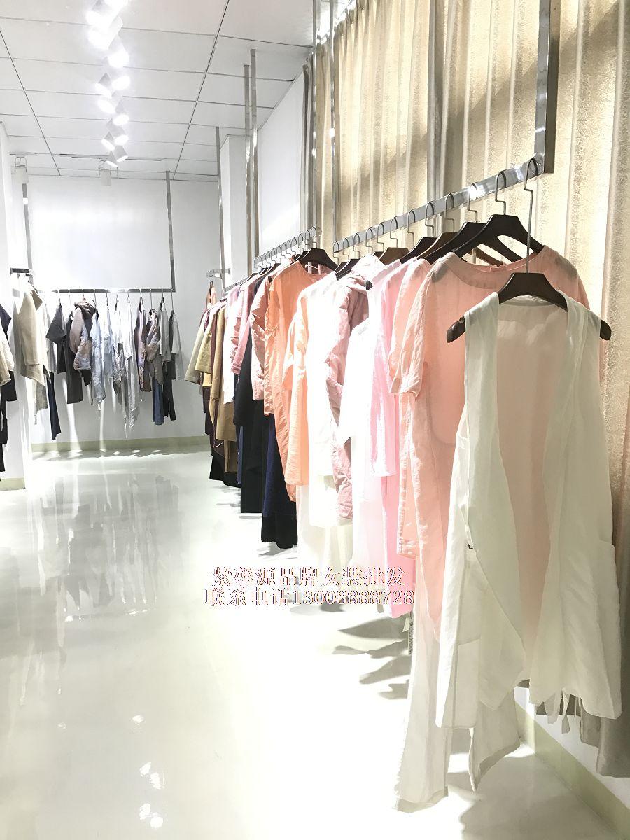 大量供应上海和言品牌女装春夏款及少量秋冬尾货批发折扣