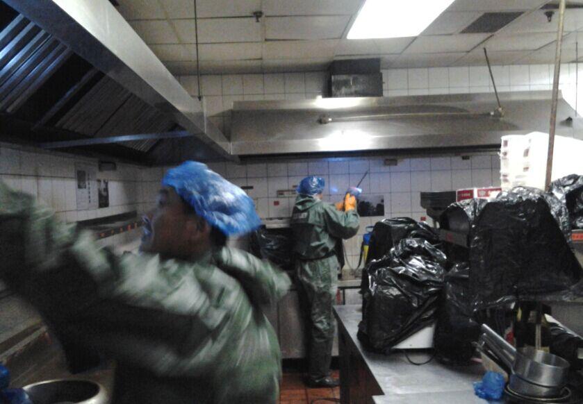 浦东区油烟管道清洗单位食堂脱排油烟机清洗 维修