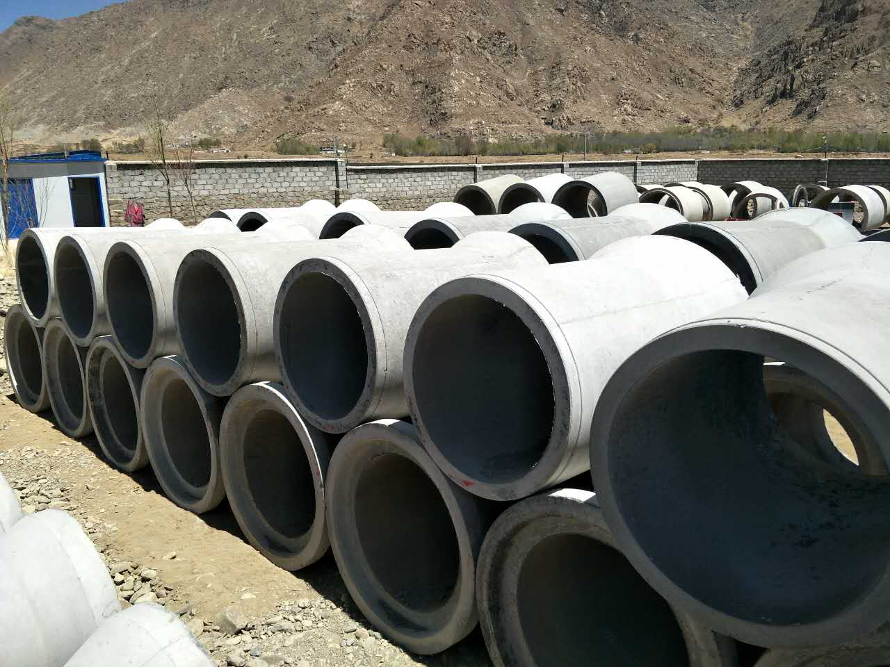 水泥管拉萨市富厚水泥涵管厂
