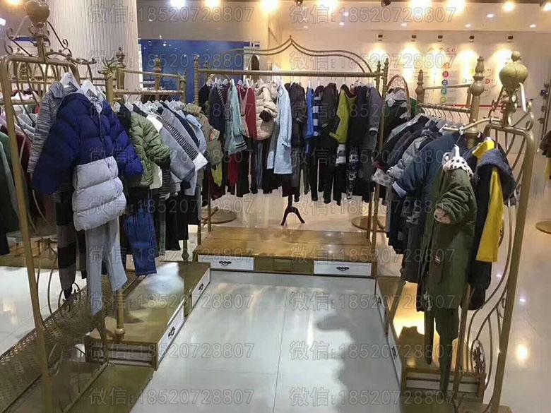 品牌童装折扣批发货源一手货源、童装货源群、品牌童装折扣店铺