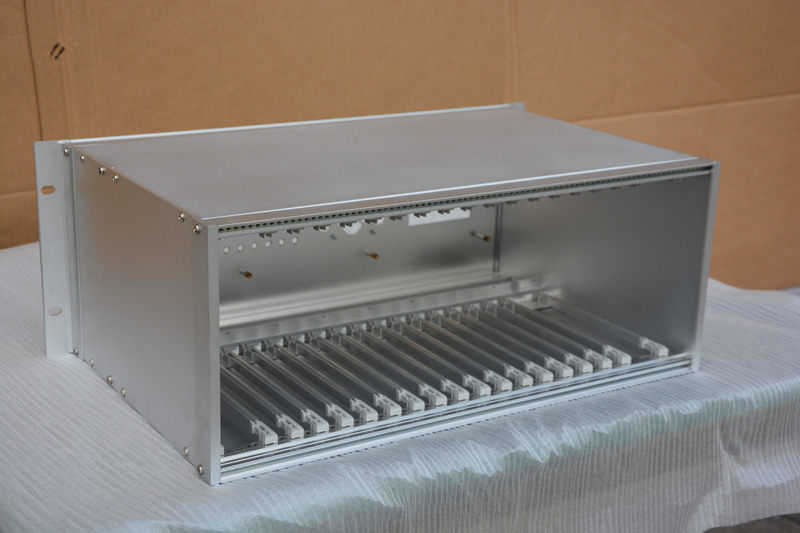 永盛诚机电提供好的铝质高端插箱 的铝质高端插箱