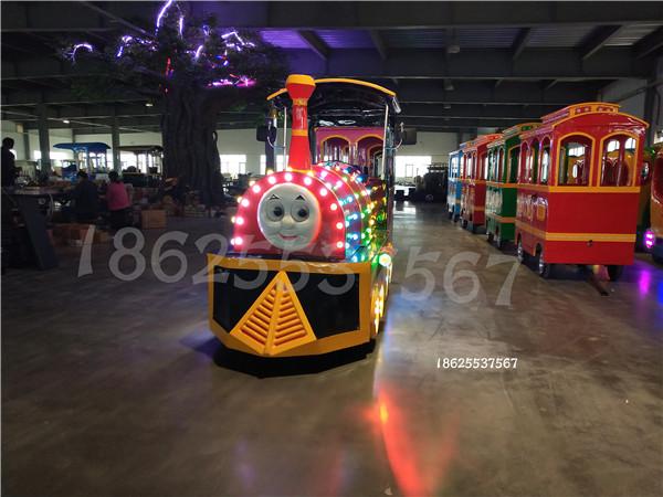 【景区观光火车】游乐设备要想吸引人要做到一目了然