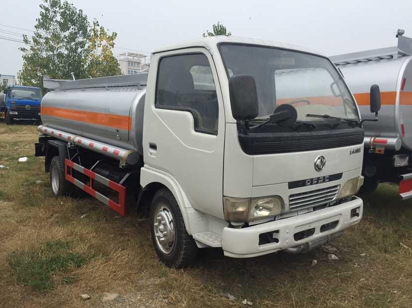 低价出售二手5吨加油车、厂家直销
