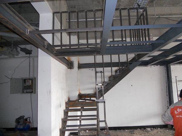宁波定制工厂钢结构楼梯店面钢结构楼梯 阁楼
