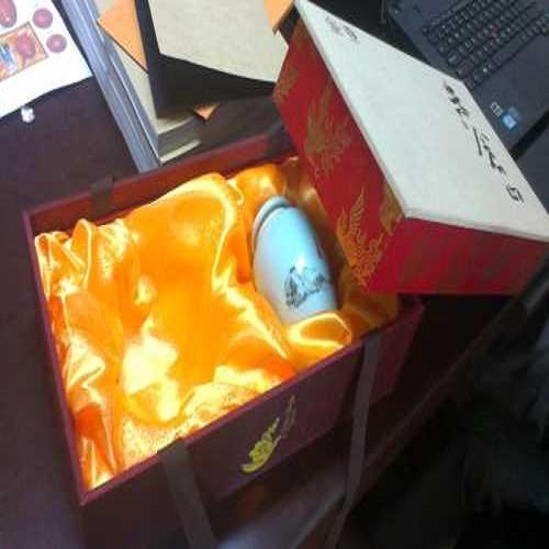 知名精装礼品布盒加工_成都精品八边形盒子定制_成都七彩鸿包装制品有限公司