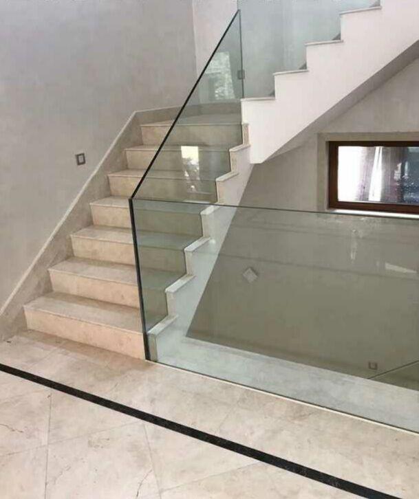 沈阳玻璃楼梯围栏