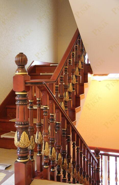 品家楼梯 别墅木质楼梯厂家定制 实木雕花紫荆花楼梯立柱 实木原木门家装案例图