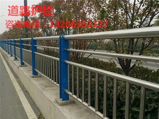 彭州不锈钢复合管河道护栏安装方法