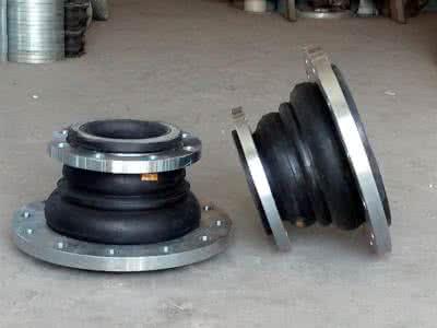 可曲挠橡胶接头又称作减振器、管道减振器、避震喉、软接头,是一种高弹性、高气密封,耐介质性和耐气候性的