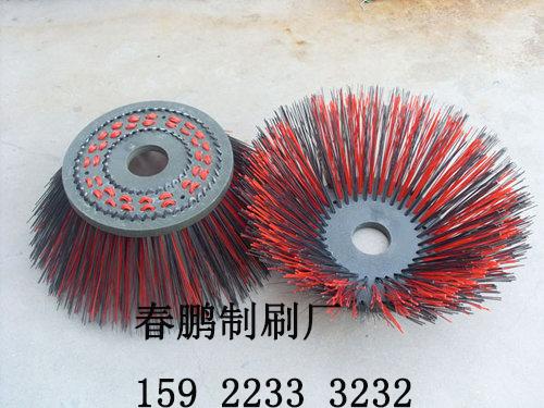重庆生产环卫扫路刷、扫雪刷的厂家,春鹏制刷厂更专业,更专注!