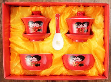 陶瓷喜事用品碗套装 结婚赠品红釉龙凤对碗