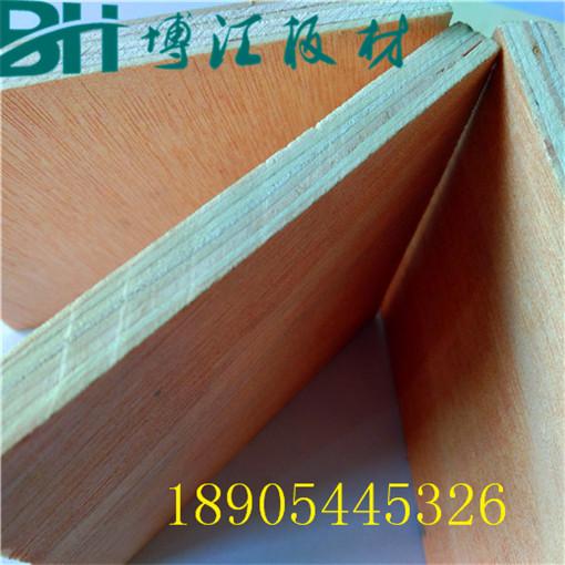 包装木箱板桃花芯贴红皮包装木箱板密度好无空洞博汇胶合板