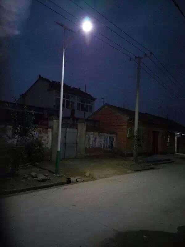 西宁太阳能路灯厂家质保5年终身维修