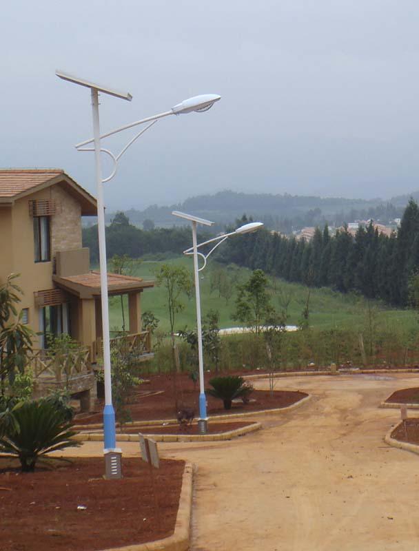 甘德县5米太阳能路灯厂家价格在线咨询