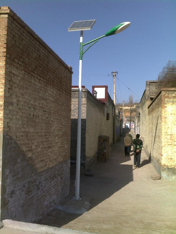 陕西渭南7米太阳能路灯厂家地址在线咨询