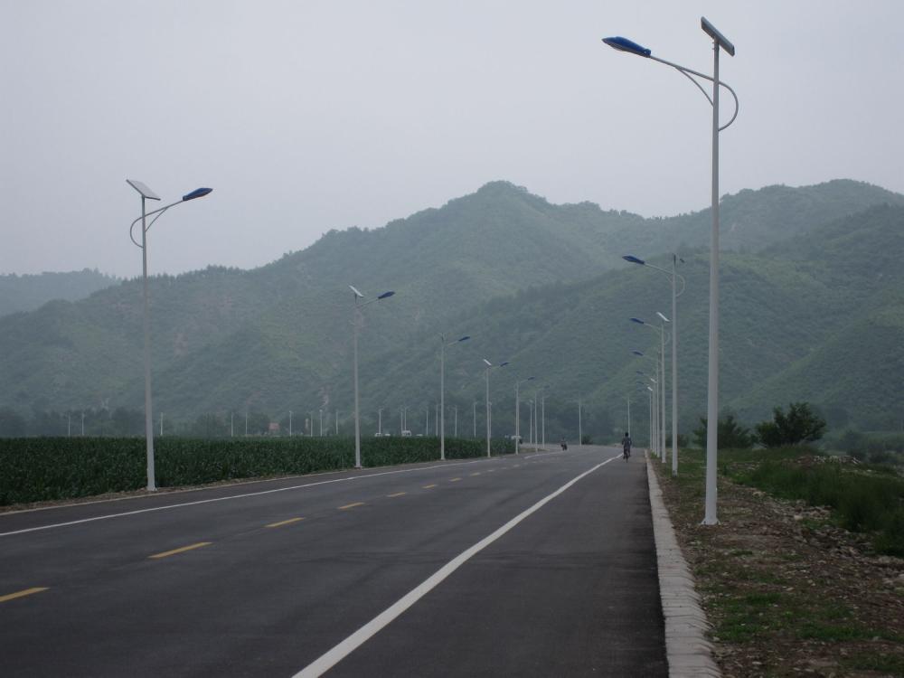 逊克县5米太阳能路灯厂家价格在线咨询