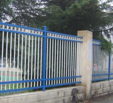 供青海格尔木锌钢铁艺护栏和海西锌钢护栏供应商