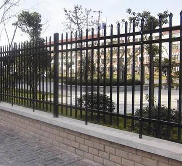 供青海民和铁艺防护栏和西宁铁艺护栏详情