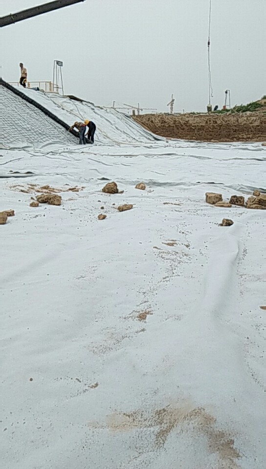 昌吉供应商直供防裂贴-透水土工布-保湿土工布型号-土工建材材料