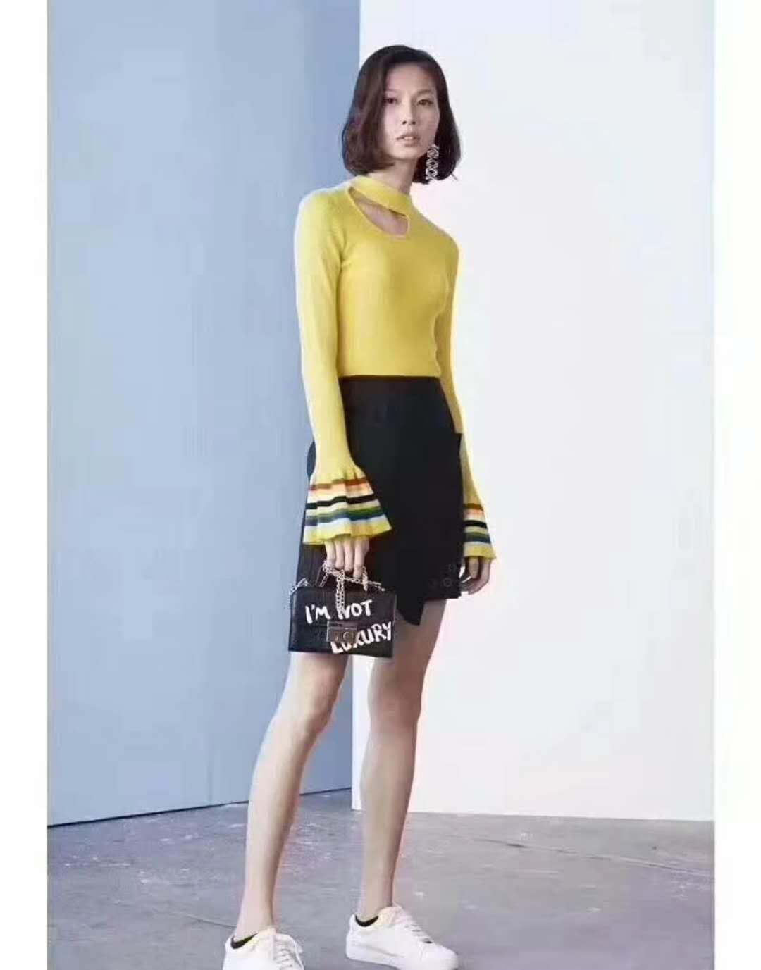 广州伊曼服饰专做品牌女装折扣批发,R&D索典时尚女装尾货走份