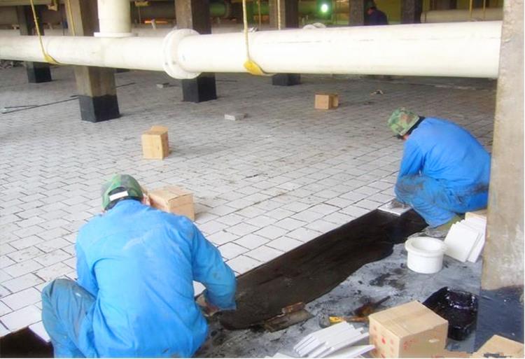 专业砖板衬里防腐工程施工 硫酸塔、槽防腐池内衬耐酸砖板施工承包