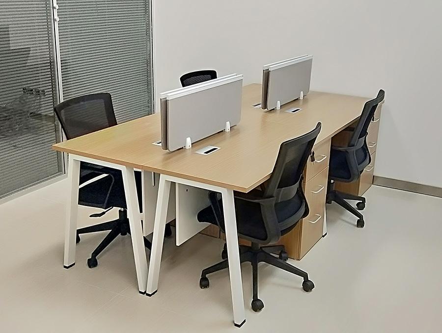 �S家直供��T屏�L�k公桌椅   �F代��s屏�L工作位