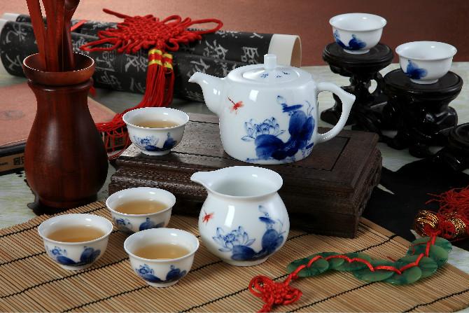 高档青花瓷陶瓷茶具定制景德镇陶瓷茶具manbetx登陆