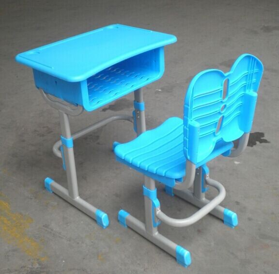 �F代新型升降塑��n桌椅使用特�c