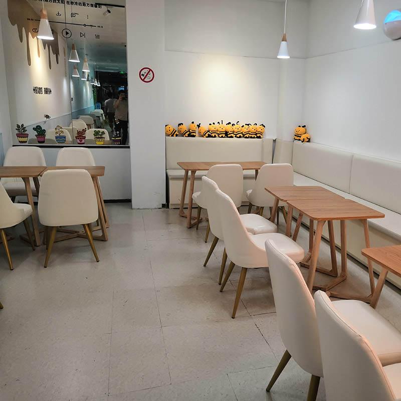 厦门欣百恒冷饮店休闲餐桌2人桌4人桌餐椅全店整装定制