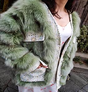 品牌�齑媾��b分�N女款狐�毛外套丹��狐�毛整皮外套一件可售