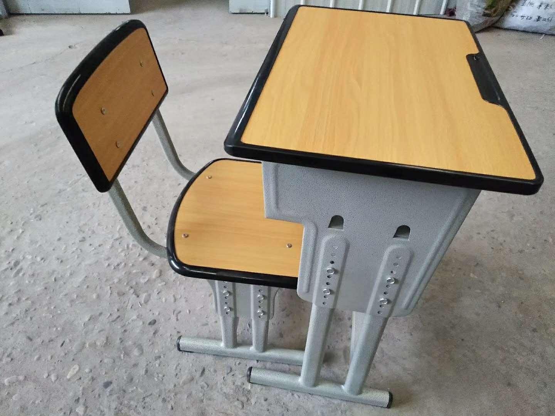 四川学生课桌、升降课桌椅、课桌椅定做厂家
