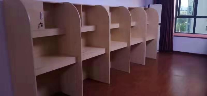 湖北共享自习室隔断桌――屏风桌 课桌椅(新闻资讯)