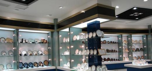 成都工艺品展柜10年生产成都工艺品展示柜货柜定做manbetx登陆