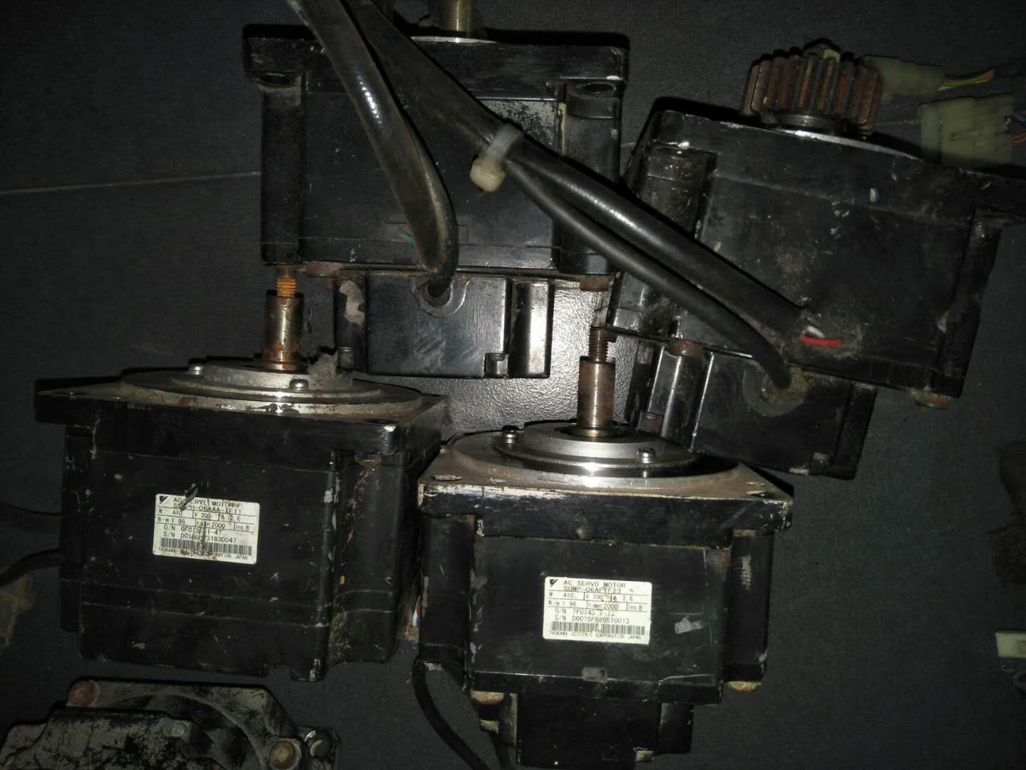 拆机安川伺服电机现货 SGMP-06AFTF23 议价