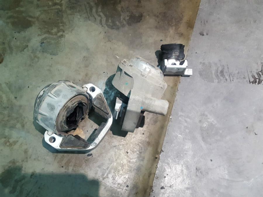 北京丰台奥迪A6L维修机爪垫保养修复
