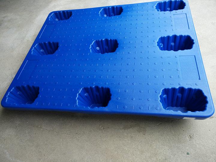 吹塑托盘_塑料托盘塑料卡板塑料垫板地台板运输仓储专用塑料板_广西蔚华塑胶