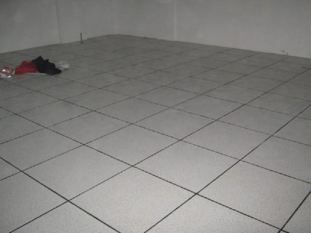 银川利通防静电地板 抗静电地板 硫酸钙防静电地板 陶瓷防静电